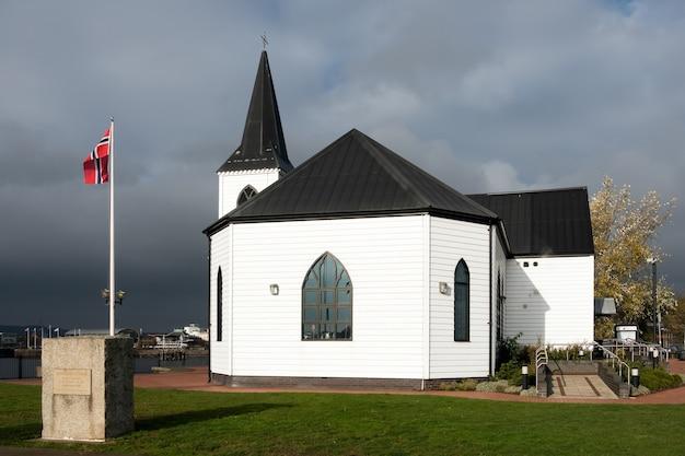 Ex noorse kerk nu een café in cardiff bay
