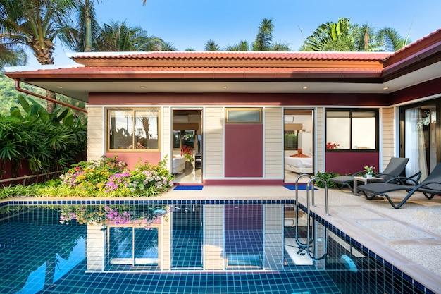 Exterieurontwerp van luxe zwembadvilla