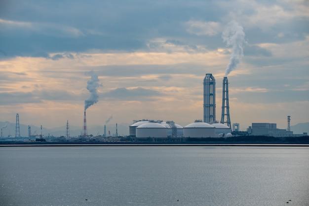 Fabriek aan zee