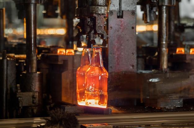 Fabriekswinkel voor de productie van glazen flessen en dranken