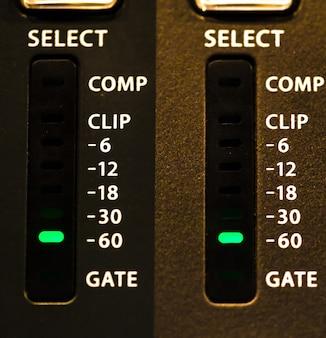 Fader digitale mengtafel met volumemeter