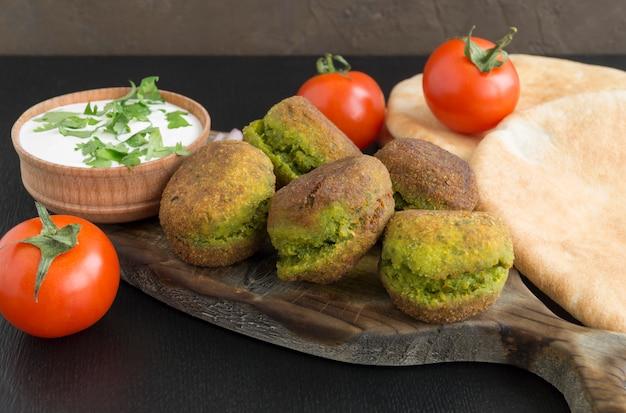 Falafel, een traditioneel israëlisch gerecht van kikkererwten.