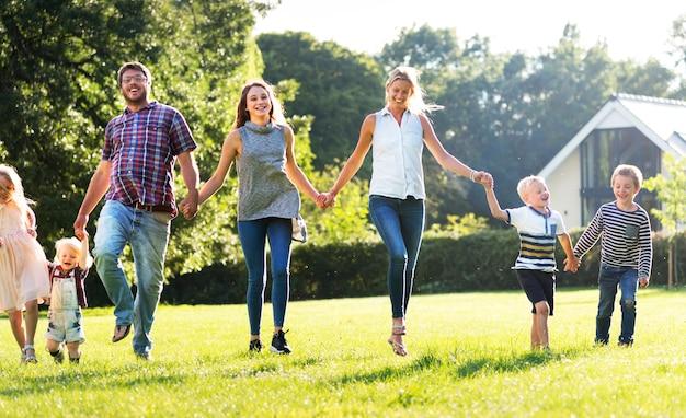 Familie-generaties ouderschapssamenhorigheid ontspanning concept