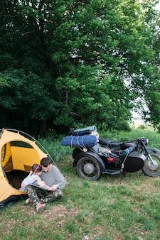 Familiereis en kamperen op de fiets