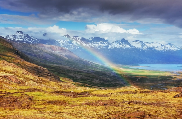 Fantastisch uitzicht op de bergen en een beetje regen