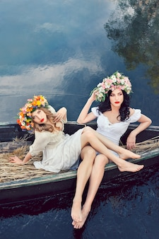 Fantasy art foto van mooie meisjes in boot
