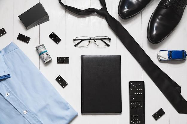 Fashion set-accessoires van succesvolle en risicovolle mannen