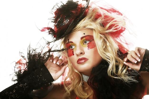 Fashion shot van vrouw in pop-stijl.