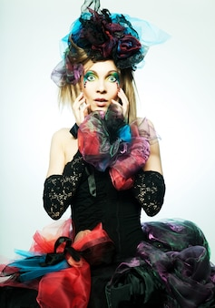 Fashion shot van vrouw in pop-stijl