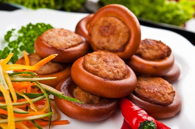 Fastfood eten, op een bord