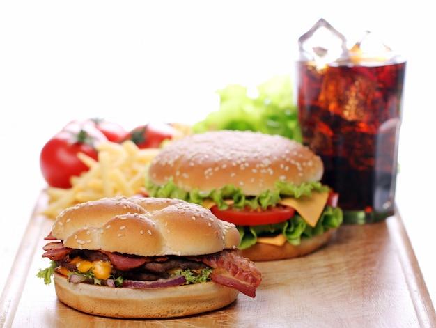 Fastfood op tafel