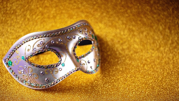 Feestelijk, kleurrijk mardi gras of carnivalemasker. venetiaanse maskers. venetiaanse carnaval viering concept.