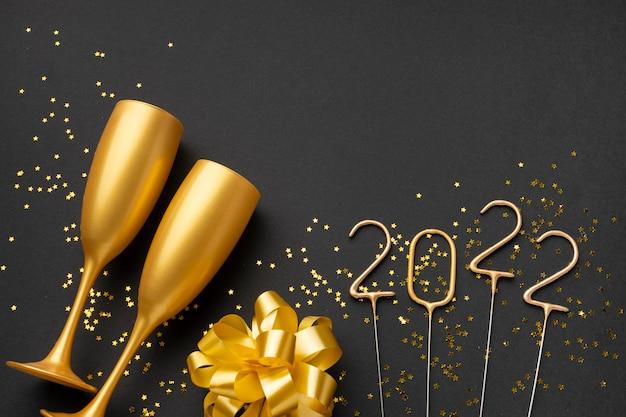 Feestelijk nieuwjaarsarrangement met kopieerruimte