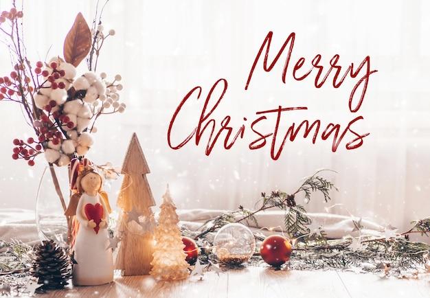 Feestelijke het decorstilleven van kerstmis op houten achtergrond