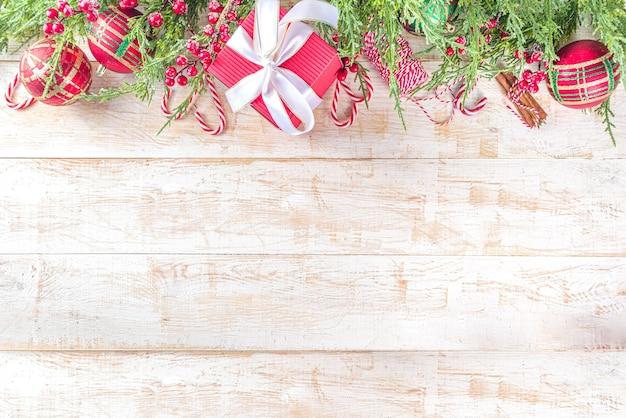 Feestelijke kerst achtergrond met feestelijke geschenkdozen
