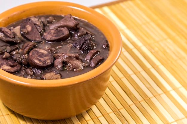 Feijoada braziliaans traditioneel eten