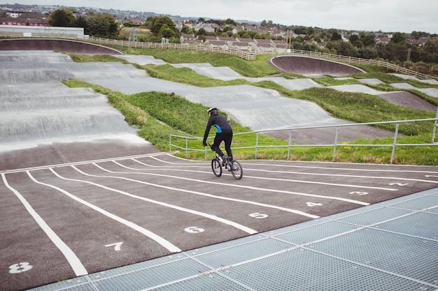Fietser bmx fiets rijden