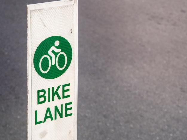 Fietspad, weg voor fietsen in de stad