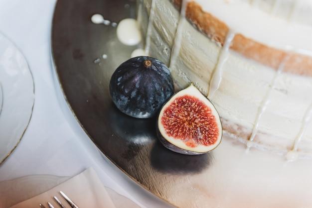 Fig.fruit, close-upmening, als decoratie voor een bruidstaart