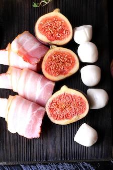 Fig. voorgerecht bacon mozzarella selectieve aandacht