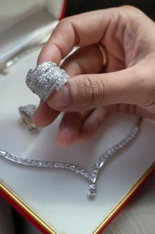 Fijne luxe diamanten sieraden set, stockfoto
