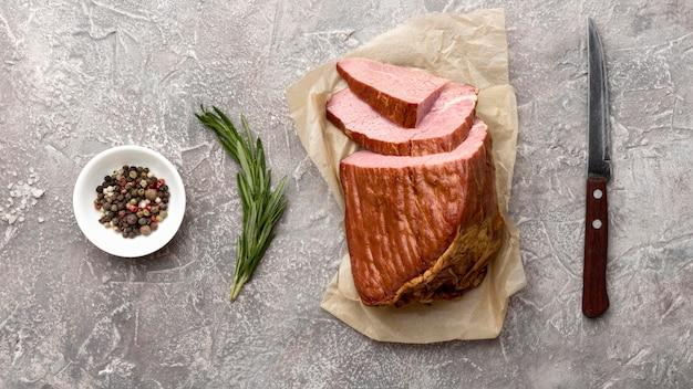 Filet vlees op tafel