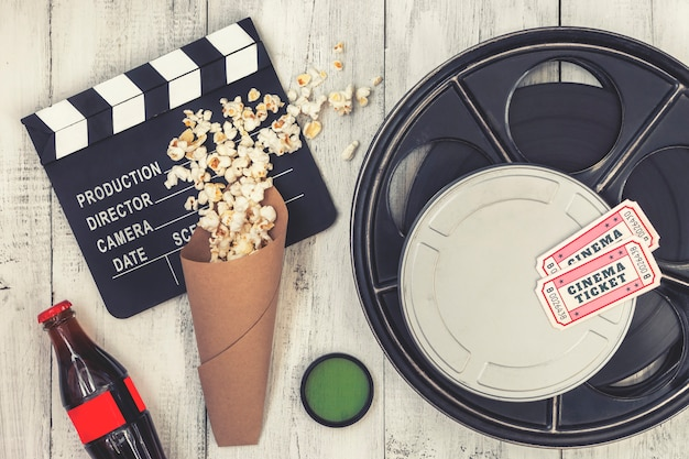 Filmklapper, filmrol en popcorn