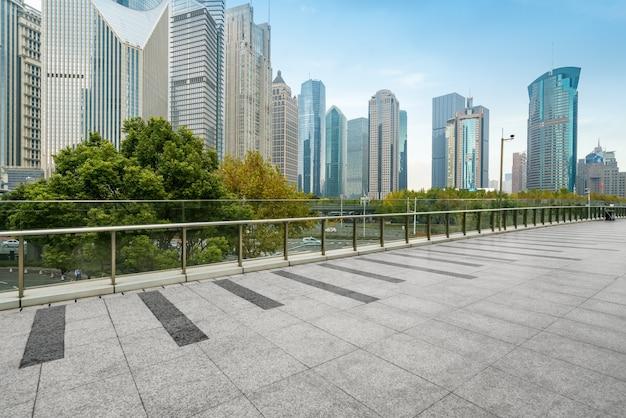 Financieel centrum kantoorgebouw in lujiazui, shanghai, china