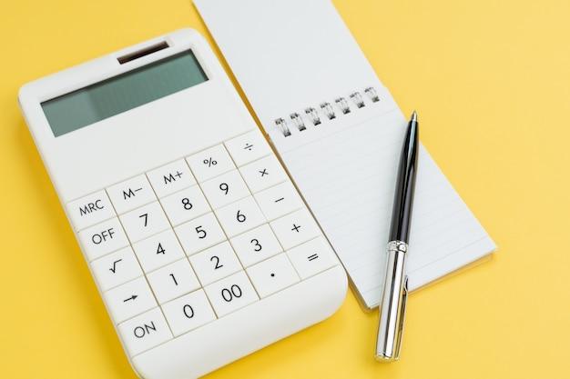 Financiën, budgetplanning of het concept van financiële kosten en uitgavenberekening