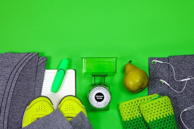 Fitness gezonde actieve levensstijlsportschoenen die schaal wegen