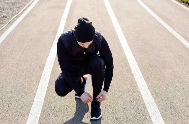 Fitness man opleiding buiten leven actief gezond
