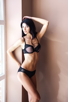 Fitness vrouw in sexy lingerie