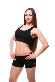 Fitness vrouw portret geïsoleerd op een witte achtergrond.