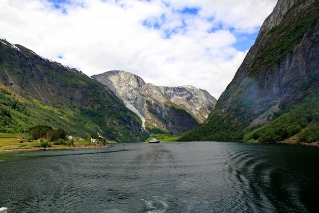 Fjord in noorwegen