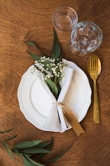 Flay lay tafel arrangement voor bruiloft