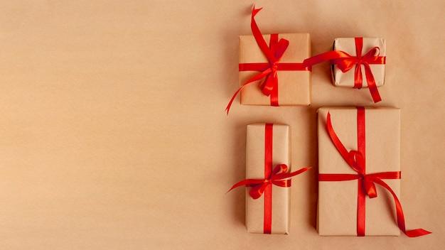 Flay leggen van geschenken met kopie ruimte voor valentijnsdag