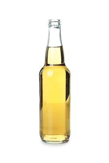 Fles bier geïsoleerd op witte achtergrond
