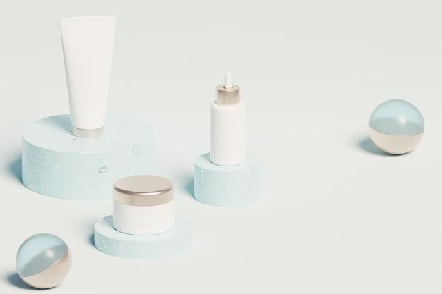 Fles, buis en pot voor cosmeticaproducten op glanzende podia op blauw oppervlak