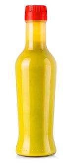Fles hete saus morst vloeistof op witte achtergrond.