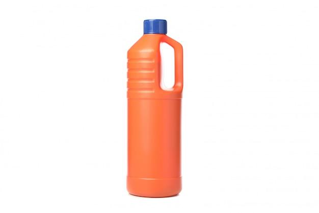 Fles met detergensvloeistof die op wit wordt geïsoleerd