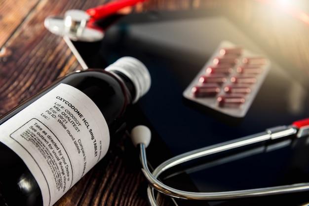 Fles voor oxycodon-tabletten, opioïde pijnstilling die het meest wordt gebruikt in amerika.