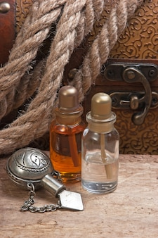 Flesjes parfumoliën, stilleven