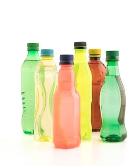 Flessen met frisdrank