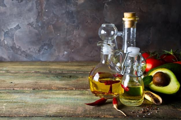 Flessen met verschillende soorten plantaardige olie