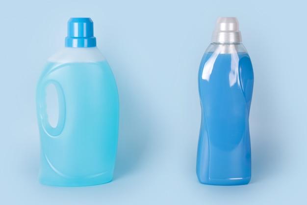 Flessen wasmiddel en wasverzachter