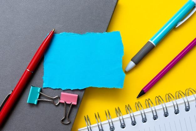 Flitsende schoolkantoorbenodigdheden, heldere leercollecties voor lesgeven, hulpmiddelen voor creatief schrijven