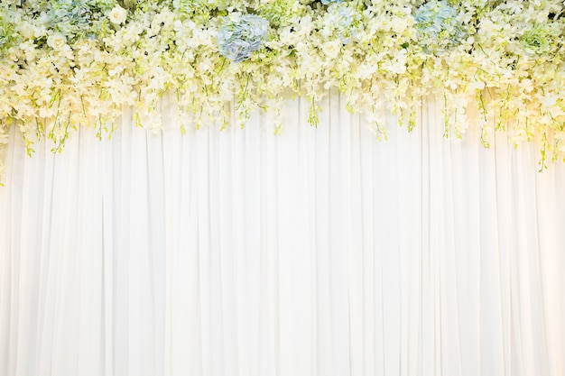 Flora achtergrond met witte doek achtergrond