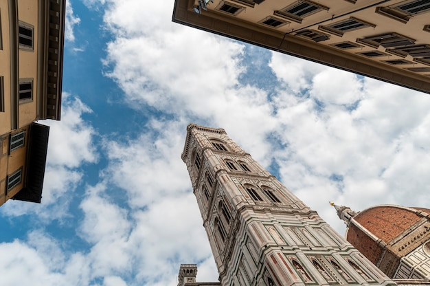Florence italië giottos klokkentoren naast de basiliek van santa maria del fiore