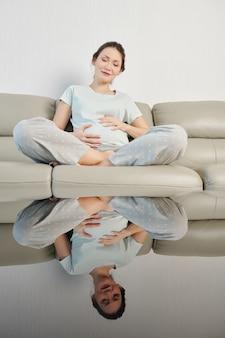 Foetale beweging voelen