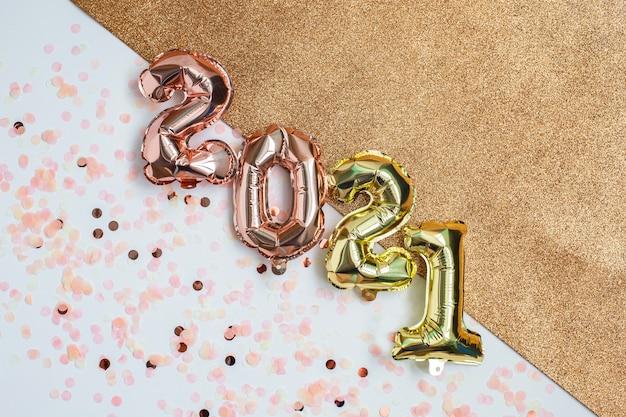 Folieballonnen in de vorm van nummer tweeduizend eenentwintig